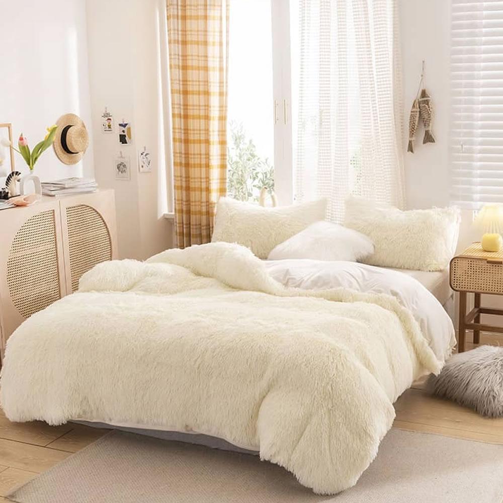 white fleece bed sheets